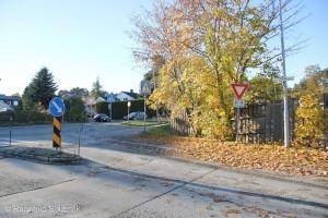 Oversikt over krysset når du kommer fra Askeladdvegen, tatt fra andre siden av gaten.