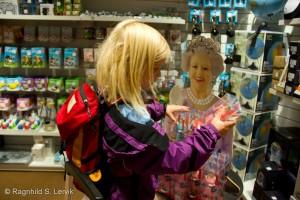 Trenger vi ikke egentlig en vinkende Elisabeth II?